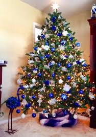 Farrah's blue white and silver Christmas tree...so pretty. May have to