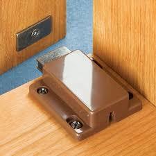 magnetic push latch rockler