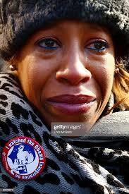 Lakisha Smith cries as she watches the inauguration of Barack Obama... News  Photo - Getty Images