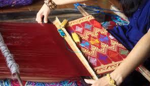 Hasil gambar untuk menenun