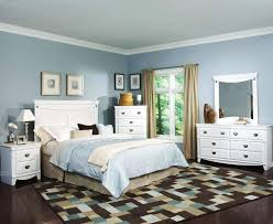 bedroom with mirrored furniture. image of bedroom with mirrored furniture o