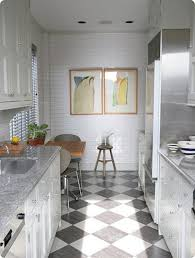 modern small kitchen idea