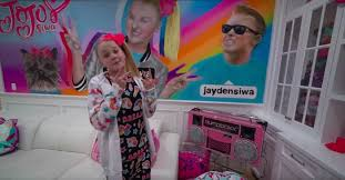 You can find more information about jojo siwa here. Jojo Siwa Bought A New House And Here S What The Inside Looks Like