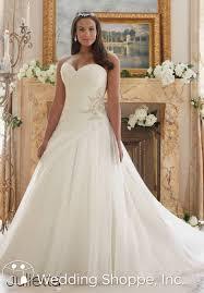 plus size bridal 13 tips for shopping for plus size wedding dresses wedding shoppe