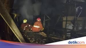 1.kurangnya pengertian terhadap penanggulangan kebakaran. Kebakaran Di Kembangan Jakbar Diduga Berasal Dari Bakaran Sampah Serbuk Kayu