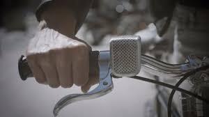 De Shoka Bell Is Een Slimme Fietsbel Lamp En Beschermer Van Je Fiets
