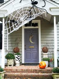 Creepy Outdoor Halloween Decoration With Pumpkins And Skull Head ...