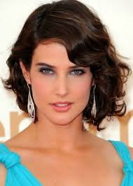 Medium To Short Haircut For Wavy Hair Medium Hairstyles For Thick
