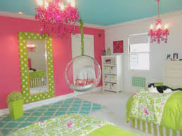 Tween Girl Bedroom Decorating Ideas White Lacquer Finish Chest Of ...