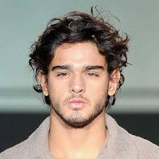 fashionable hairstyles for men with curly hair