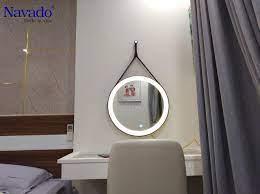 Gương đèn led dây da cảm ứng - sản phẩm thông minh