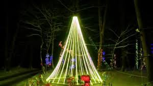 aussie lighting world. New Yorker Looks To Reclaim Christmas Lights Record From Aussie A Family York Is Hoping World For The Most Number Of Lighting