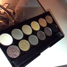 sleek i divine mineral based eyeshadow palette au naturel