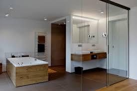 Offenes Badezimmer Im Dachgeschoss Dusche Unter Der Dachschräge Wedi