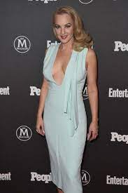 Wendi McLendon-Covey Photostream | Celebrities female, Actresses, Wendi