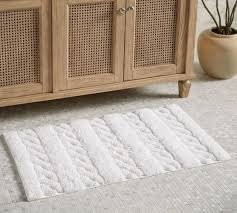 sculpted cable organic bath mat
