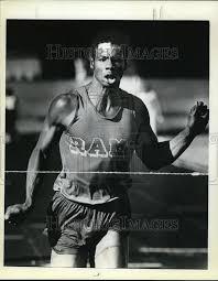 1979 Foto de prensa central católico's Byron Howell, que se muestra ganador  de 200 metros   eBay