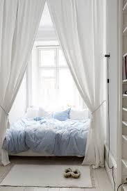 Small White Bedrooms 17 Best Ideas About Small White Bedrooms On Pinterest Bedroom