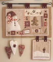 Free Holiday Quilt Patterns - Holiday Wall Hanging Patterns ... & Traditional quilted wall hanging with snowman and ginger bread man, love  it! Cores diferentes das tradicionais Plus Adamdwight.com