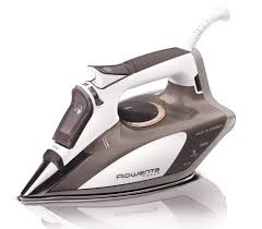 The 4 Best Steam Iron for Sewers - Our Reviews & Pressing Tips & Rowenta 5080 iron Adamdwight.com