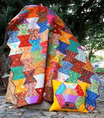 jeanannquilts: July 2014 & Nellie's Needles used the Hexagon Trim Tool (CGRJAW4) to make this very  imaginative quilt, the pattern is: Hexi Flip. If you like it you can order  the ... Adamdwight.com