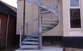 Jeden monat suchen bei uns über 25.000 bauherren auf 18 webseiten informationen. Wendeltreppe Skilts Canal Engineering Stahlstruktur Gerade Stufen Metall Ohne Setzstufe