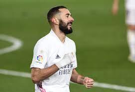 كريم بنزيمة نجم ريال مدريد يوقع عقداً جديداً للبقاء حتى عام 2023