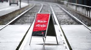 Die gewerkschaft deutscher lokomotivführer will ihre mitglieder erst zu einer urabstimmung aufrufen, die für den 9. Deutsche Bahn Grosse Streiks Ab Dienstag Hier Alle Infos Derwesten De