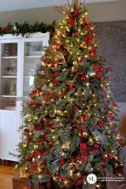 Traditional Red and Gold Christmas Tree #michaelsmakers