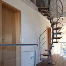 Eine stahltreppe ist auch dann eine stahltreppe, wenn man von dem stahl eigentlich gar nicht so viel sieht, weil die stufen zum beispiel aus holz gefertigt wurden. Treppen Holz Stahl Von Oberborsch Design Treppen De Das Fachportal Fur Den Treppenbau