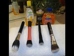 the easy way to deep clean makeup brushes