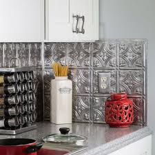 Traditional 1 PVC Decorative Backsplash Panel in Crosshatch