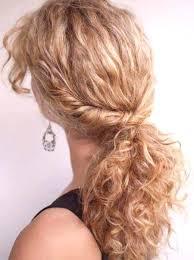 Moderní účesy Pro Kudrnaté Vlasy Střední Délky ženský časopis