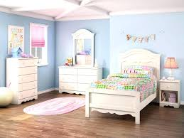 Fitted bedrooms small rooms Build In Closet Bedroom Bedroom Designs Bedroom Set For Small Room Best Bedroom Setup Bedroom Set Up