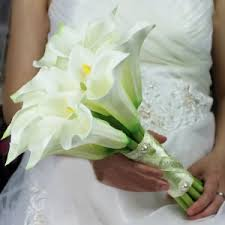 types of wedding bouquet flowers white