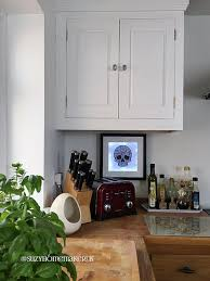 oak kitchen cabinets painted with zinsser bin and farrow ball all white 2005 estate eggshell