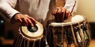 Alat musik ini tepat dimainkan untuk pertunjukkan musik dengan ritmis cepat. 13 Contoh Alat Musik Tradisional Mancanegara Lengkap
