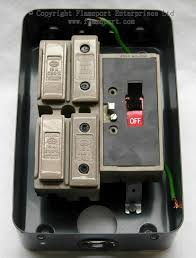 mem 4 way enclosed grey metal fuse box mem 4 way fusebox