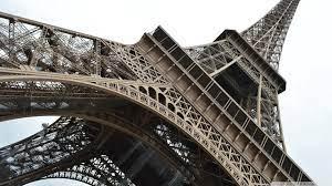 Eiffel Tower Ultra HD Desktop ...
