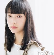 山田愛奈20cm髪を切る 小顔前髪透明感カラーのお手本ヘアスタイル