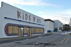 vacant kids r us in manchester new hampshire sat beside its big toys r us brother since 1983 the vacant site has since been razed for a nissan