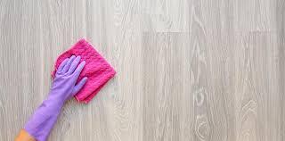 Zudem gibt es tipps, wie mit den richtigen hausmitteln vinylboden gereinigt werden kann. Vinylboden Reinigen Die Besten Hausmittel Herold At