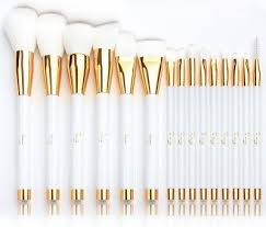 best affordable makeup brush set. the best cheap makeup brush sets can make all difference in having a glowing and affordable set