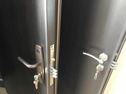 revenim cu un update să vă povestim a fost montajul și se portă ușa maco civica in apartamentul22