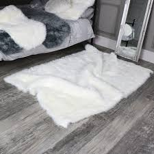 large white faux fur gy rug 120cm x170cm