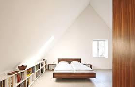 Auf wunsch gestalten unsere designer ihnen ihre ganz individuelle bildersammlung zum gewünschten thema. Architektenhauser Geraumiges Schlafzimmer Unterm Dach Bild 6 Schoner Wohnen