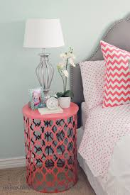 10 unique ideas for a bedside table