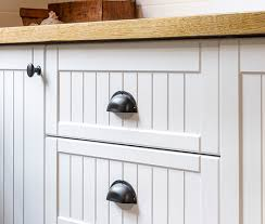 kaboodle kitchen antique white country o53 country