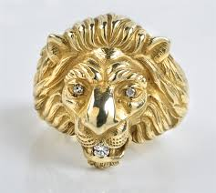 lot 16 elvis presley owned gold and diamond lion head ring gifted to charlie hodge