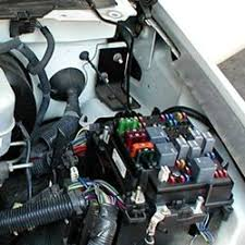 2003 yukon denali fuse box diagram 2003 image how to install a brake controller on chevrolet gmc 1999 2006 on 2003 yukon denali fuse · 2005 yukon fuse box diagram